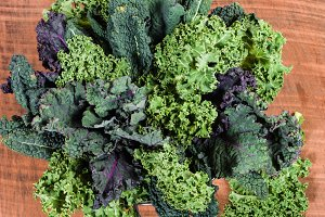 Red and green kale leaves
