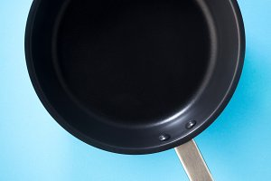 empty pan with non-stick