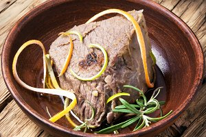 Beef meat with lime