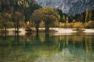 Lake Jasna in autumn
