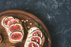 Ricotta, honey and fig appetizer toast or bruschetta
