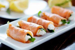 smoked salmon wraps