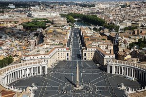 St. Peter's Square, Piazza San Pietro in Vatican City .
