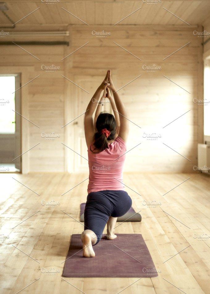 A pretty morning stretching.jpg - Sports