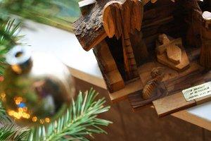 Wooden manger set