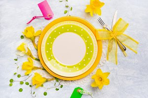 Spring table setting in yellow