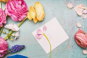 Greeting card mock up with flowers