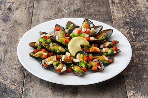 Mussels with peppers and onion