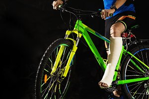 Cyclist with fracture of heel