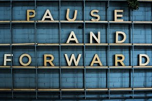 Pause and forward