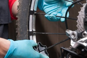 adjusting the spokes of a bicycle