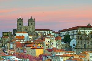 Ribeira - the Old Town of Porto. Por