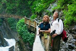 Hiking Senior Coupkle