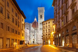 Palazzo Vecchio in the mornng in Florence, Italy