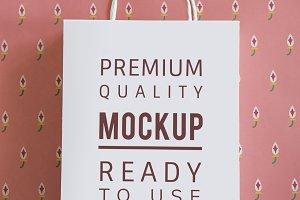 Paper bag mockup (PSD)