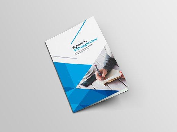 Clean Bi-Fold Brochure-Graphicriver中文最全的素材分享平台