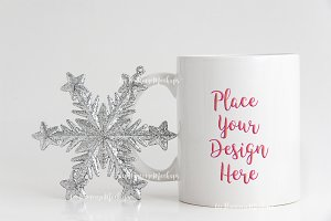 Winter coffee mug mockup minimal psd