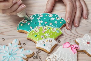 The process of making gingerbread.