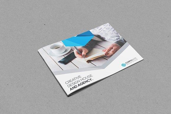 Landscape Bi-Fold Brochure-Graphicriver中文最全的素材分享平台