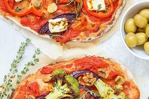 vegetarian vegetable pizza