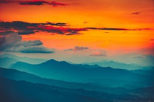 Magnificent sunset views of the mountain range