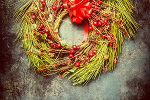 Hanging Christmas wreath, retro