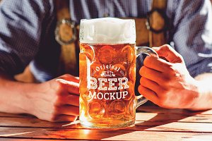 Beer Glass Mock-up #40