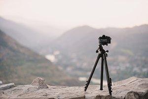 The camera on tripod prepare take the shot the scene of amazing mountain view