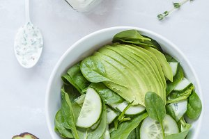 Yogurt dressing and green salad