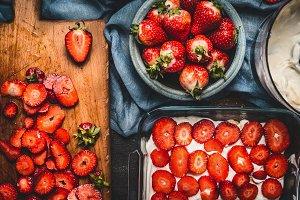 Strawberry cake making