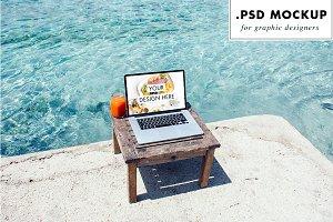 Laptop website PSD mockup