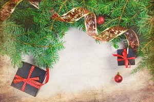 Black and red  christmas  gift  box