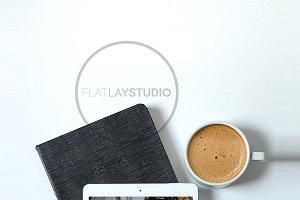 FLAT LAY - IPAD MOCKUP #12