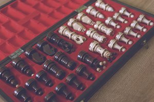 Chess in a case (+FREE BONUS )