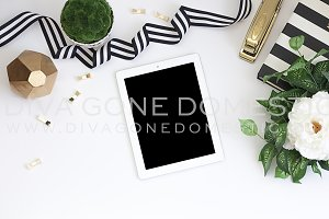 Styled Stock Photo - Desktop & iPad