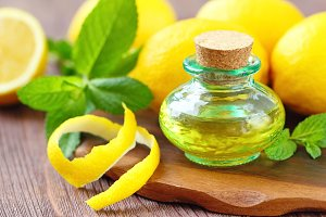 Essential aroma oil with mint and lemon