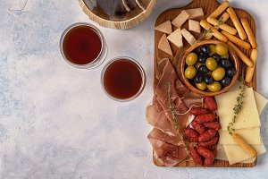 olives prosciutto cheese