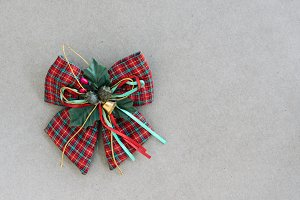 Green silk ribbon bow