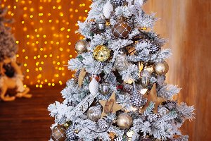 Decorated Christmas tree.