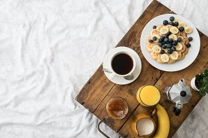 Cozy winter breakfast in bed II
