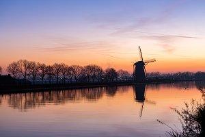 Windmill at sundown in Nieuwe Wetering