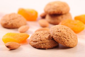 Cookies with almond and dried apricots