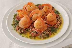 Grilled shrimp with tomatoes