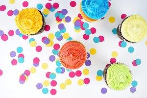 Cupcakes + Confetti