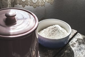 Dishes with flour and yeast