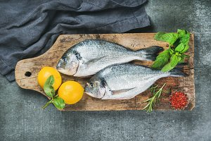 Uncooked sea bream with lemon