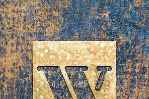 Metallic typography: letter W