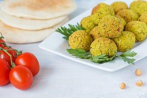falafel with pita