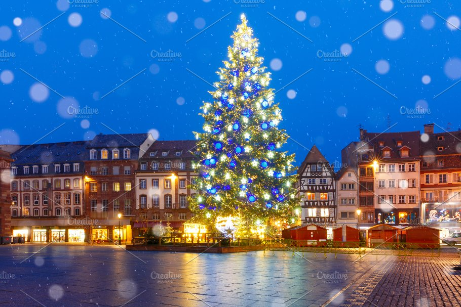 christmas tree in strasbourg alsace france architecture - France Christmas