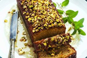 Cake, tea loaf with yogurt, cardamom